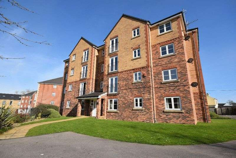 2 Bedrooms Flat for sale in Constable Drive, Ossett