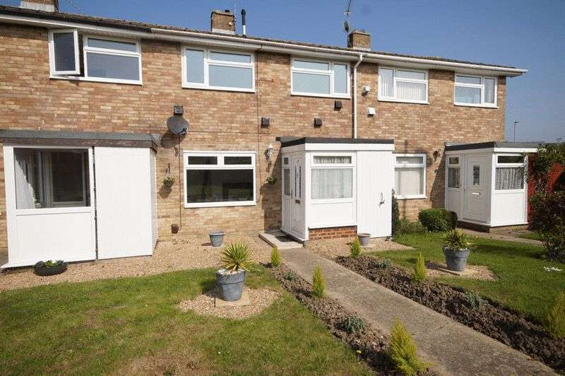 3 Bedrooms Terraced House for sale in St James Way, Portchester