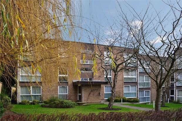 2 Bedrooms Flat for sale in Holland Court, Page Street, Mill Hill, London