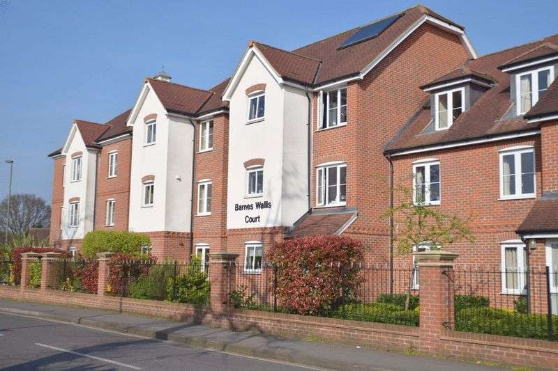 1 Bedroom Retirement Property for sale in Barnes Wallis Court, Byfleet, KT14 7HJ