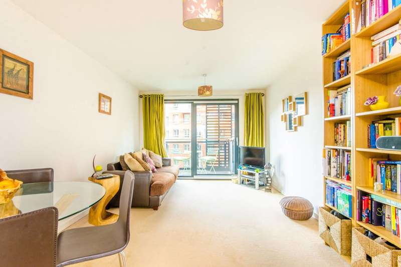 1 Bedroom Flat for sale in Hornsey Street, Lower Holloway, N7