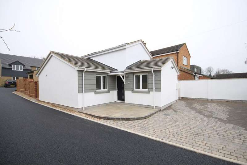 3 Bedrooms Detached House for sale in Clifton Road, SHEFFORD, SG17