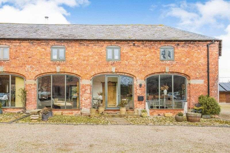3 Bedrooms House for sale in The Coach House, Barn 2, Dudleston Hall Barns, Dudleston, Ellesmere