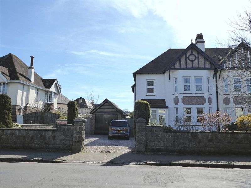 4 Bedrooms Property for sale in Hampton Avenue, Torquay