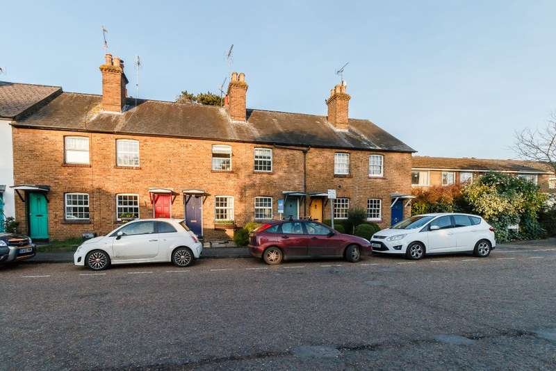 2 Bedrooms Terraced House for sale in Lansdowne Terrace, Twyford, Berkshire, RG10 9DY