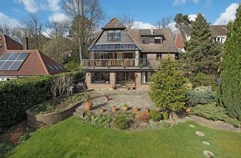 4 Bedrooms Detached House for sale in Innhams Wood, Crowborough, East Sussex