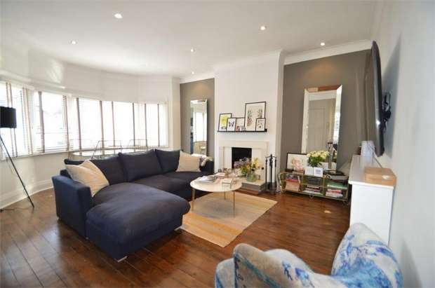3 Bedrooms Flat for sale in Sylvan Avenue, Mill Hill, London