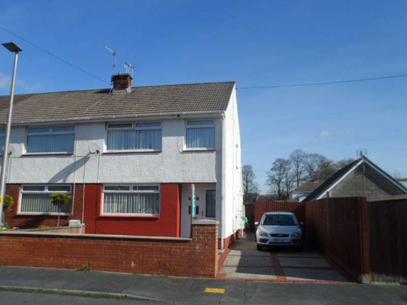 3 Bedrooms Property for sale in Glantawe Park, Ystradgynlais, Swansea
