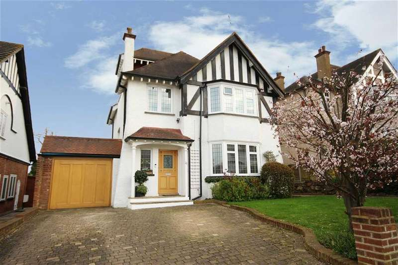 4 Bedrooms Detached House for sale in Lyonsdown Avenue, New Barnet, Hertfordshire