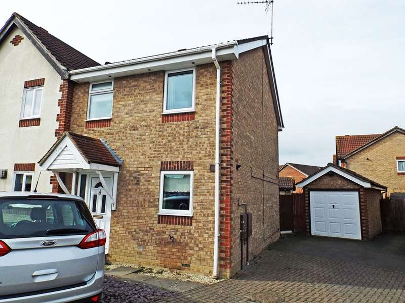 3 Bedrooms Semi Detached House for sale in Drake Avenue, Chatteris, Cambridgeshire, PE16