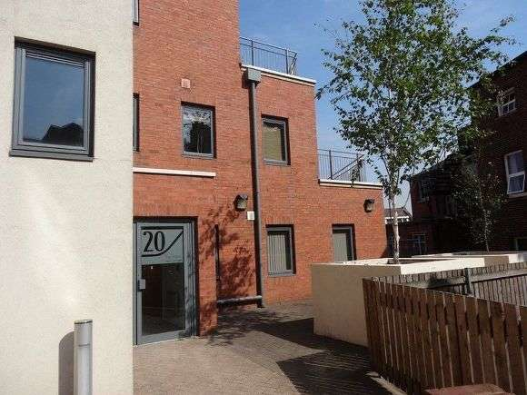 2 Bedrooms Flat for rent in The Chimes, Campo Lane, Sheffield