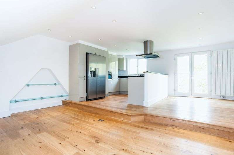 3 Bedrooms Flat for sale in All Souls Avenue, Willesden, London, NW10