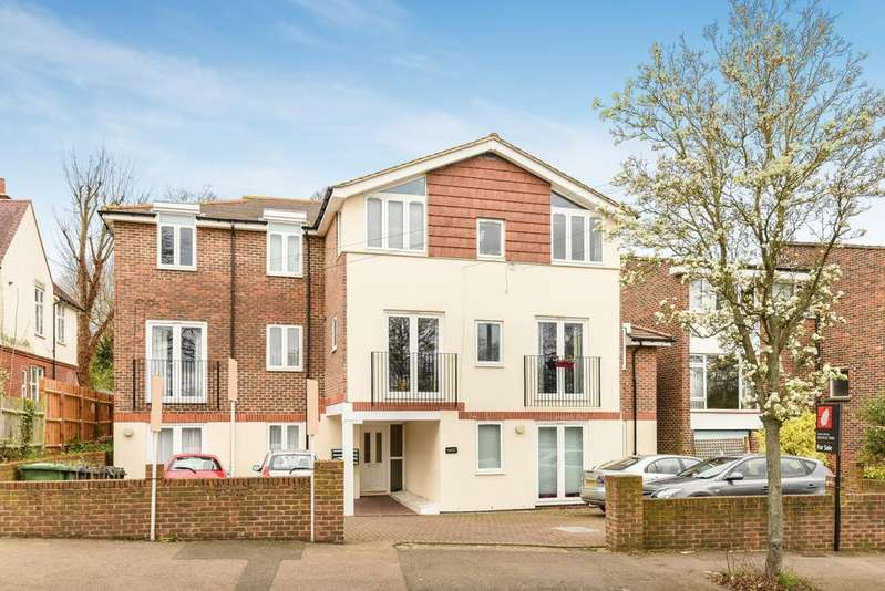2 Bedrooms Flat for sale in Bampton Road London SE23