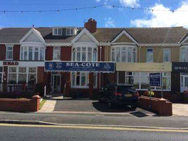 Commercial Property for sale in Queens promenade, Blackpool, FY2 9JN