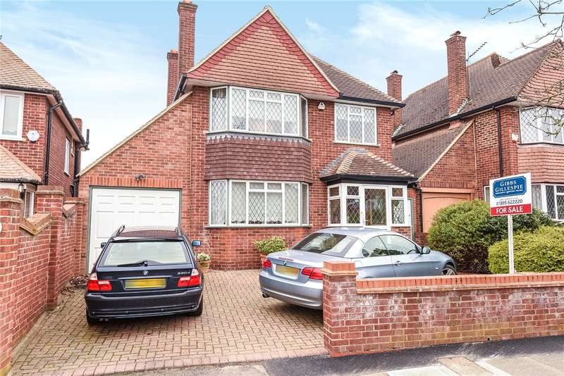 3 Bedrooms House for sale in St. Georges Drive, Ickenham, Uxbridge, Middlesex, UB10