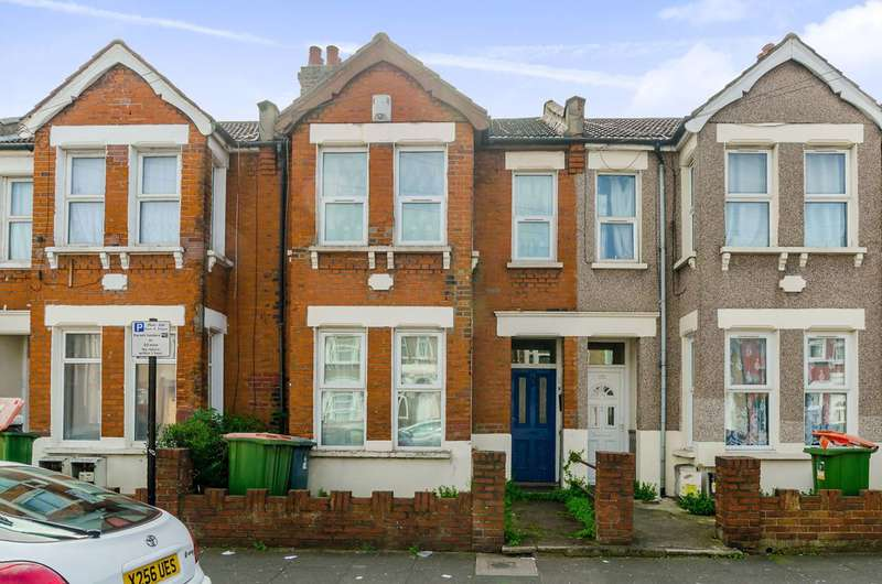 1 Bedroom Flat for sale in Halley Road, Manor Park, E12