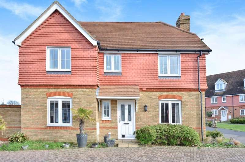 4 Bedrooms Detached House for sale in Elm Tree Close Hassocks West Sussex BN6