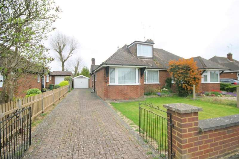 2 Bedrooms Semi Detached Bungalow for sale in Poplar Avenue, Luton