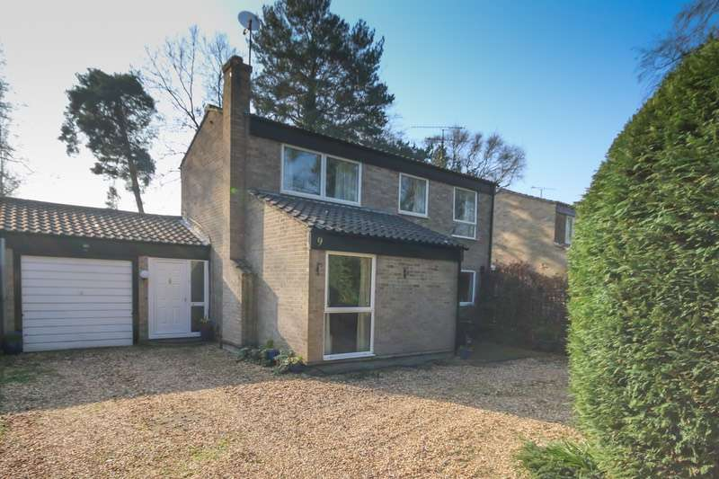 3 Bedrooms Detached House for sale in Verran Road, Camberley, Surrey, GU15