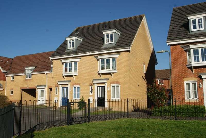 3 Bedrooms Semi Detached House for sale in Kings Chase, Colebrook Way, Andover