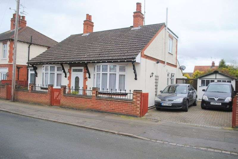 3 Bedrooms Detached Bungalow for sale in Purvis Road, Rushden