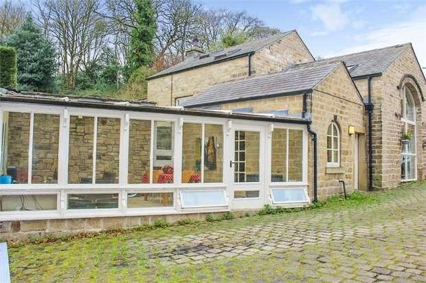 3 Bedrooms Link Detached House for sale in Manchester Road, Hollingworth, Hyde, Derbyshire