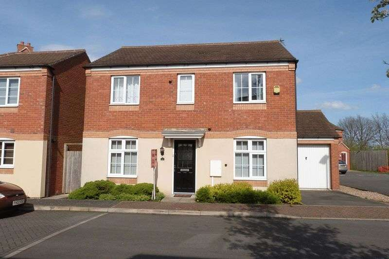 4 Bedrooms Detached House for sale in Clover Way, Syston, Leicester