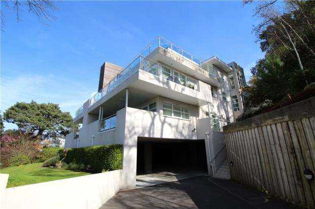 2 Bedrooms Flat for sale in Lower Parkstone, Poole, Dorset, BH14