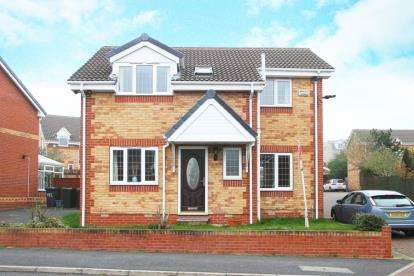 3 Bedrooms Detached House for sale in Stoney Bank Drive, Kiveton Park, Sheffield, South Yorkshire