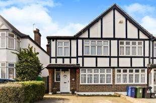 3 Bedrooms End Of Terrace House for sale in Eden Way, Beckenham, Kent