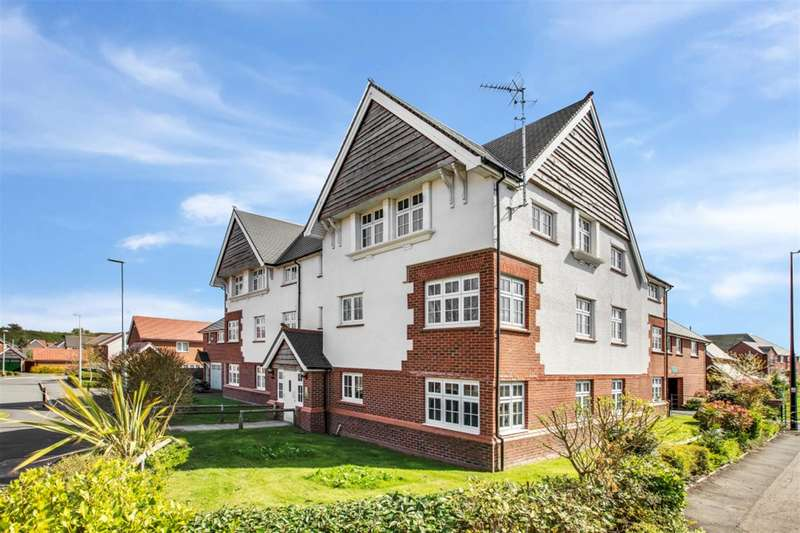 1 Bedroom Flat for sale in Roseway Avenue, Cadishead, Manchester, M44 5GG