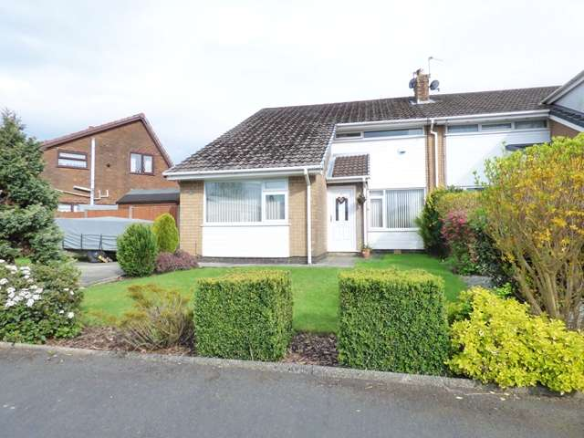 3 Bedrooms Semi Detached House for sale in 7 Bay Tree Road, Clayton-le-Woods, PR6