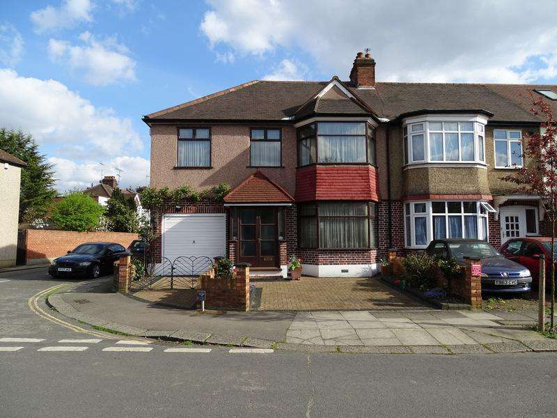 4 Bedrooms End Of Terrace House for sale in Huxley Gardens, Park Royal