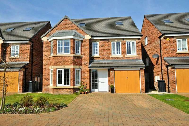 5 Bedrooms Detached House for sale in Principal Rise, Dringhouses, York