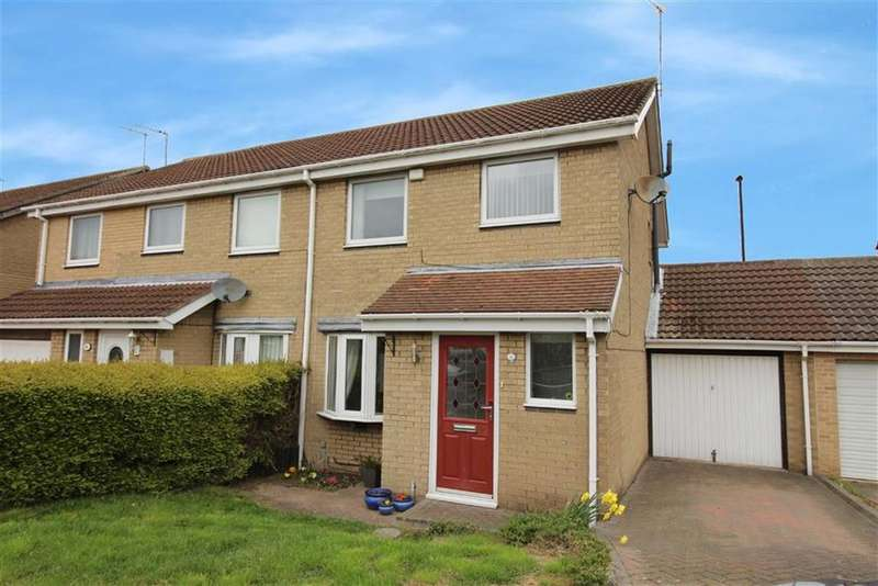 3 Bedrooms Semi Detached House for sale in Dereham Court, Newcastle Upon Tyne, NE5