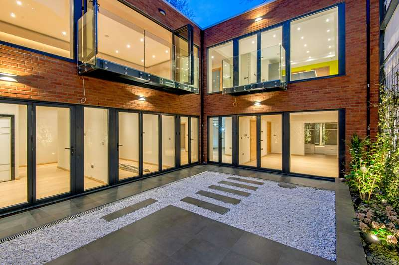 4 Bedrooms Detached House for sale in Fairhazel Gardens, South Hampstead