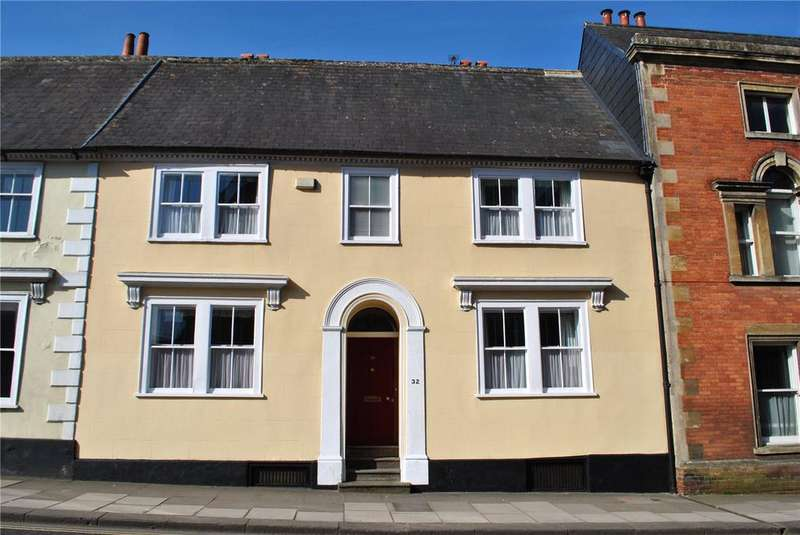 3 Bedrooms Terraced House for sale in Long Street, Devizes, Wiltshire, SN10