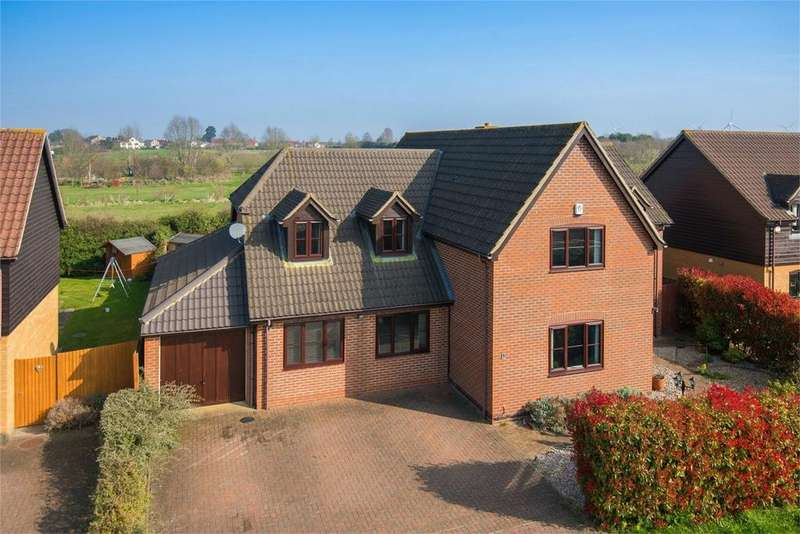 5 Bedrooms Detached House for sale in Whiteman Close, Langford, Bedfordshire