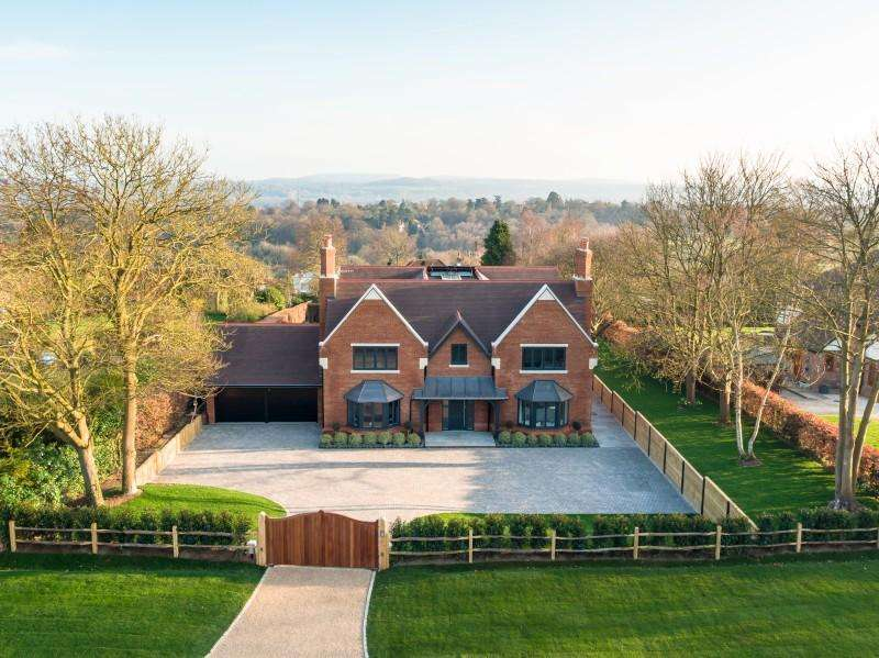 5 Bedrooms Detached House for sale in The Mount, Guildford