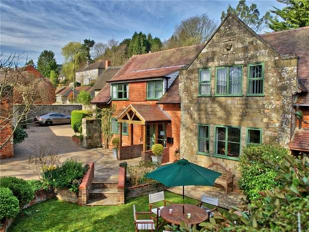 4 Bedrooms Cottage House for sale in Spring House, Hindon Road, East Knoyle, Wiltshire