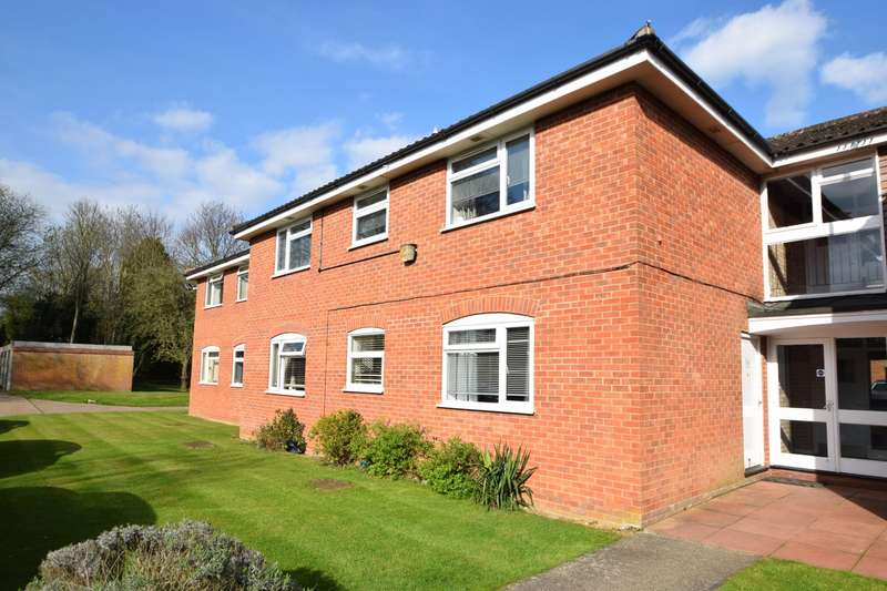 1 Bedroom Flat for sale in Cobblers Close, Farnham Royal, SL2