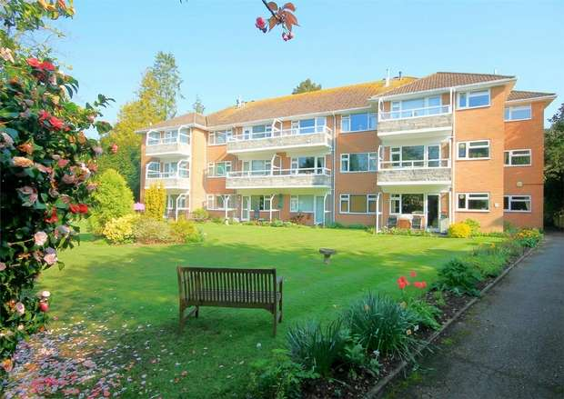 2 Bedrooms Flat for sale in 18 Portarlington Road, Westbourne, Bournemouth, Dorset
