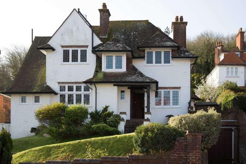 4 Bedrooms Detached House for sale in Edensor Road, Eastbourne, BN20 7XR