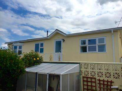2 Bedrooms Mobile Home for sale in Newquay, Cornwall