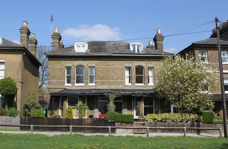 3 Bedrooms Semi Detached House for sale in The Terrace, Woodford Green