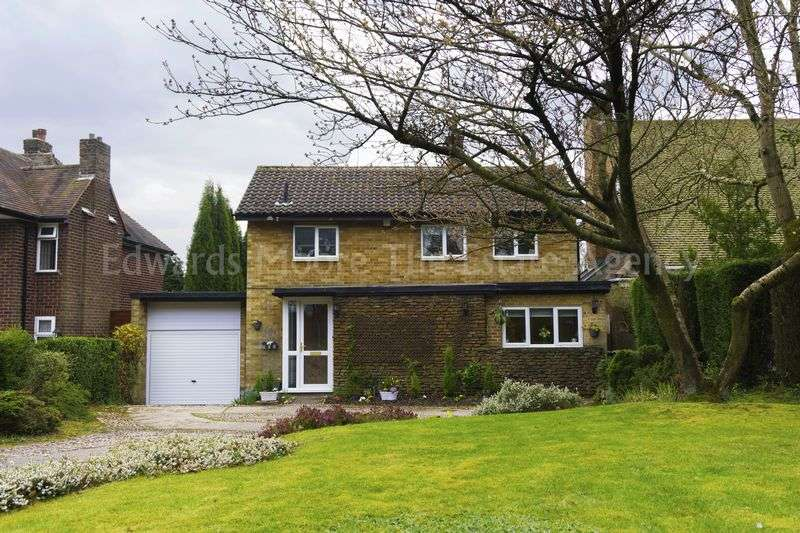 3 Bedrooms Detached House for sale in Little Aston Road, Aldridge, Walsall.
