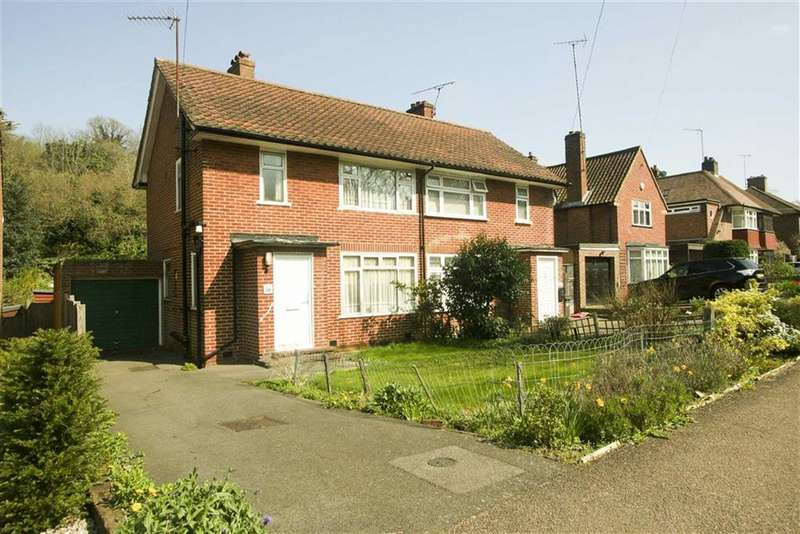 3 Bedrooms Property for sale in Lower Barn Road, Purley