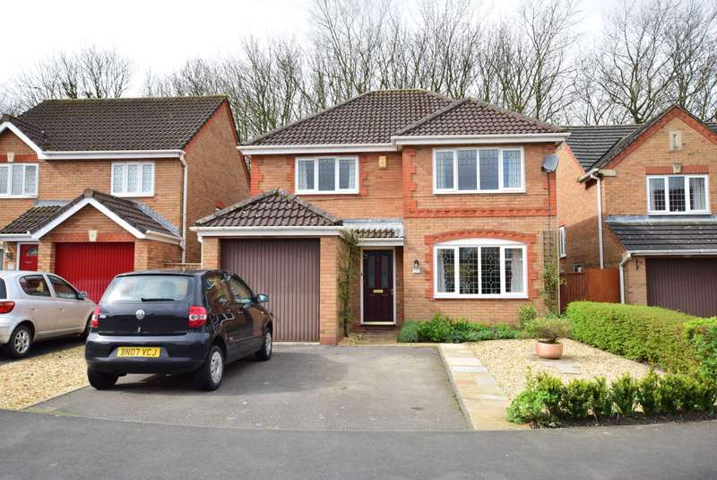 4 Bedrooms Detached House for sale in Bentley Drive, Kirkham