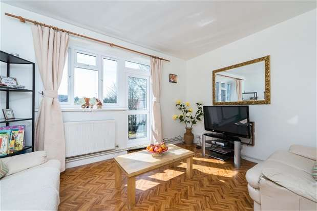 3 Bedrooms Flat for sale in Lakeview Road, West Norwood