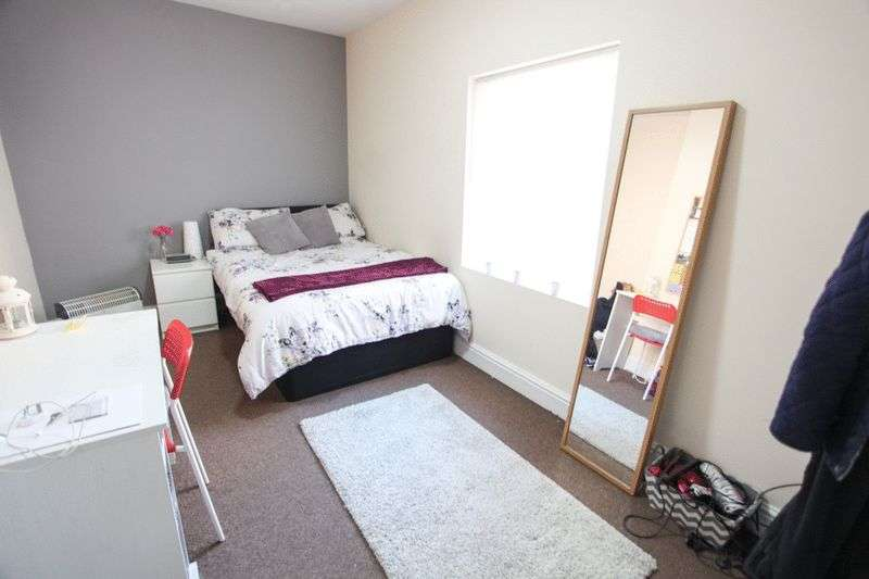 8 Bedrooms Property for rent in Wavertree Road, Liverpool (2017-18 Academic Year)